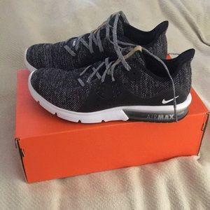 New nike air max tennis shoes